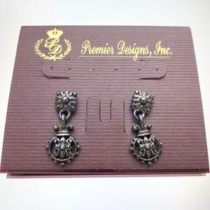 Premier Designs Avery Gun Metal Tn Dangle Earrings